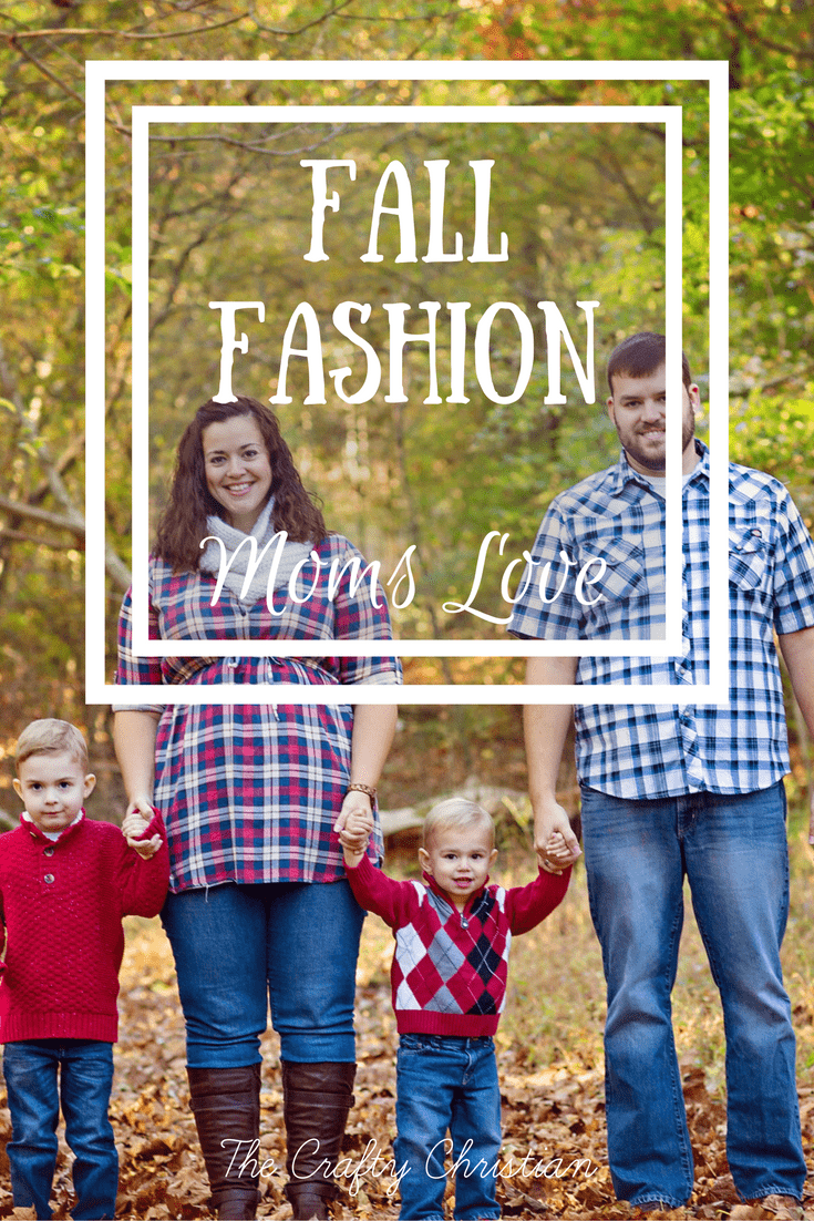 As a mom, it's hard to dress in a way that's both comfortable and stylish. Speaking from experience, I always tend to go with comfort over fashion, which often leaves me looking like a hot mess. Here are some fall fashion moms love