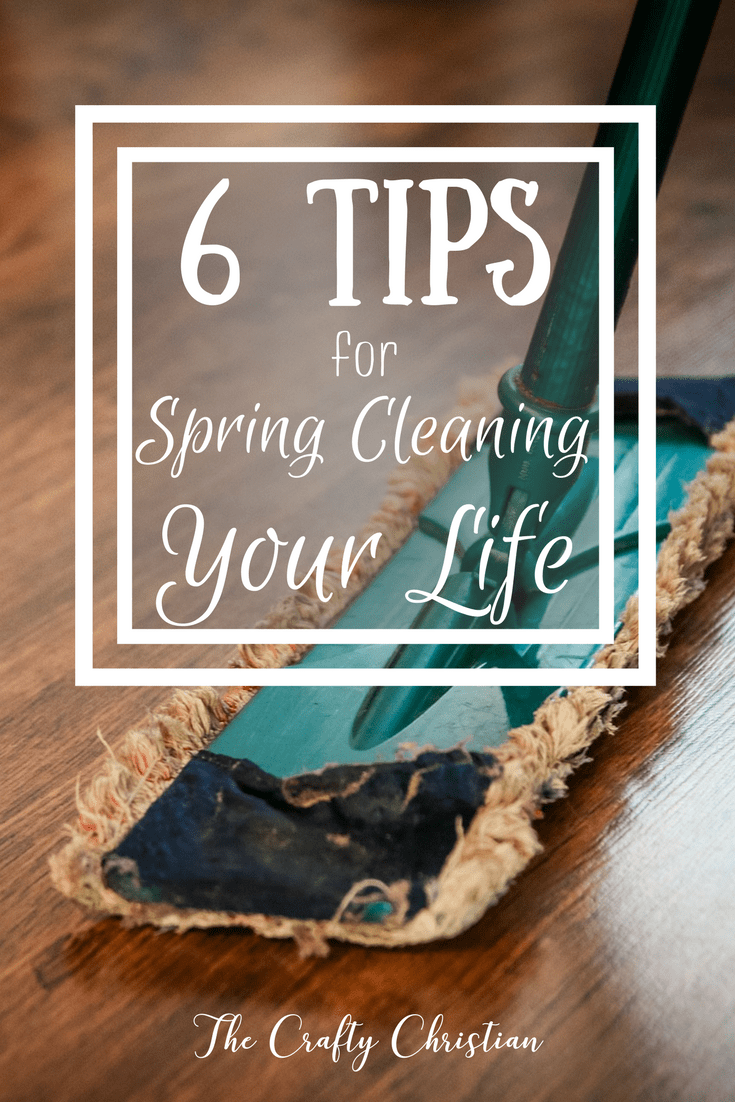 With spring in full force, this time of year is my favorite time for deep cleaning. Not only can you spring clean your body with the proper detoxing methods to help improve overall wellness, but you also need to take special care to focus on spring cleaning your lifestyle as well.